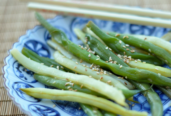 Garlicky Green Beans with Sesame and Ginger