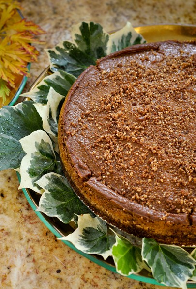 Gluten-free Vegan Pumpkin Pie with Gingersnap crust